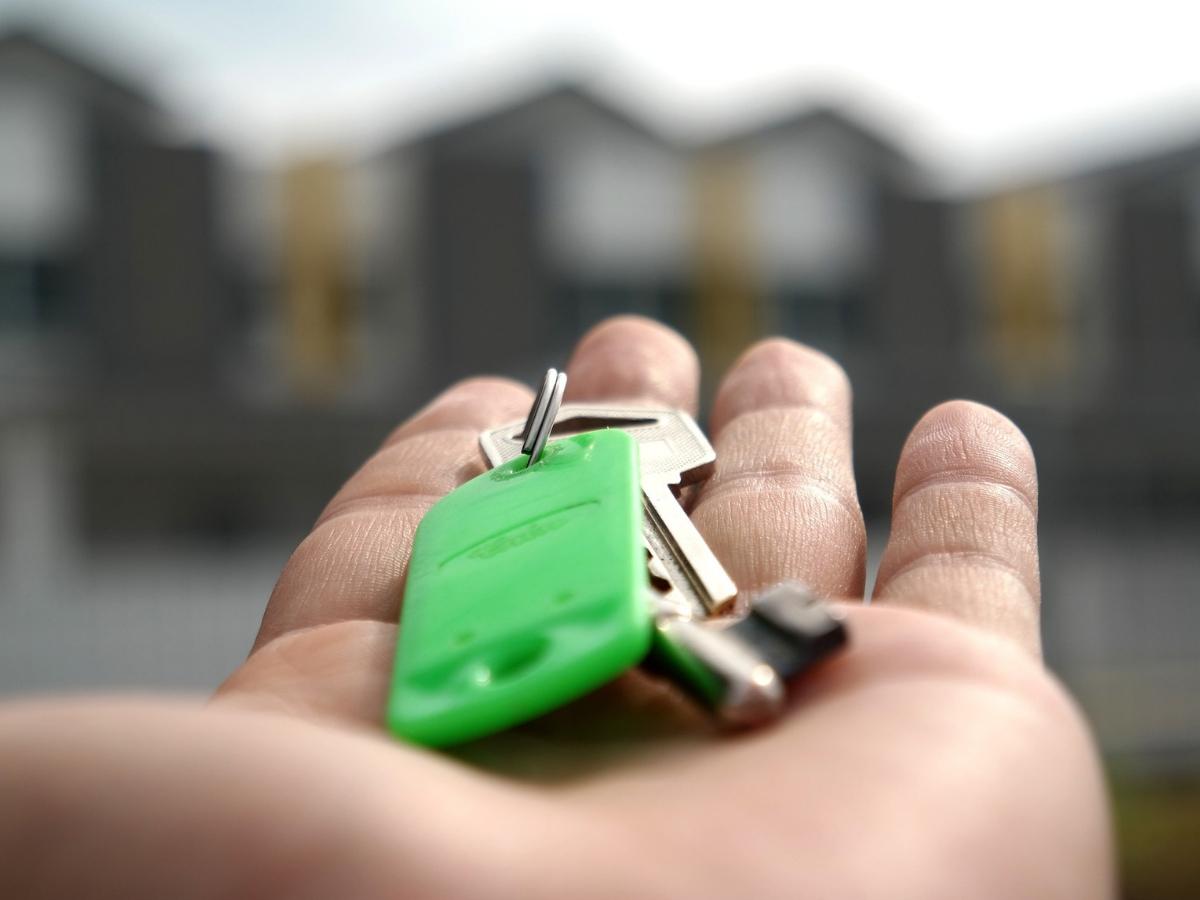Co powinno się znaleźć w umowie sprzedaży nieruchomości Warszawa porad prawna Kancelaria radców prawnych Dubiel & Sawinda